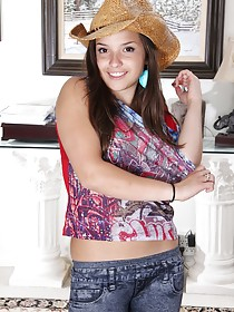 Stetson-wearing cowgirl-ish teen beauty undressing on camera